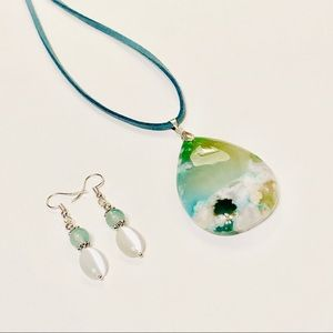 Green Cherry Blossom Agate Necklace & Earrings